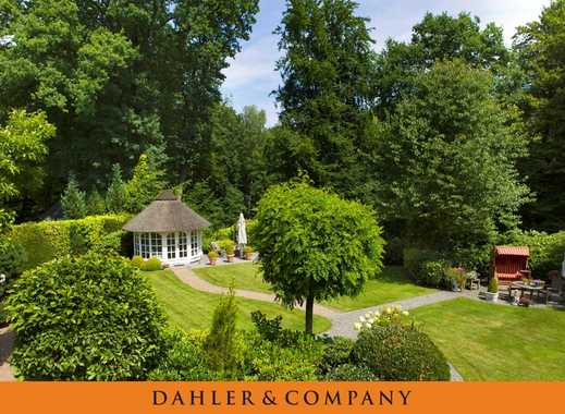 Landhausvilla auf einem über 3.600 m² großen und top gepflegten Parkgrundstück mit ca. 60 m direktem