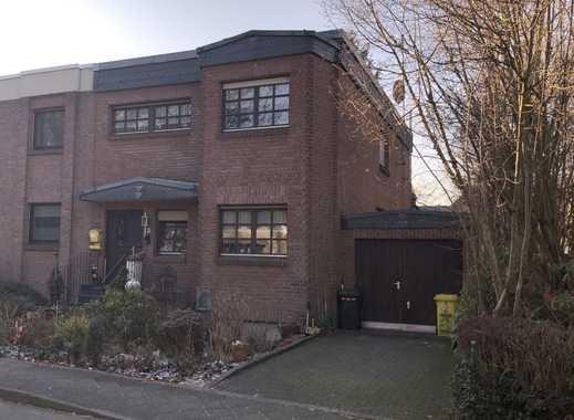 Einfamilienhaus mit großer Garage in Düsseldorf-Benrath