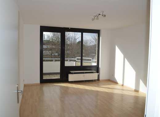 Oberkassel: Schöne, neu renovierte 2-Zi-Wohnung mit Südwest-Balkon