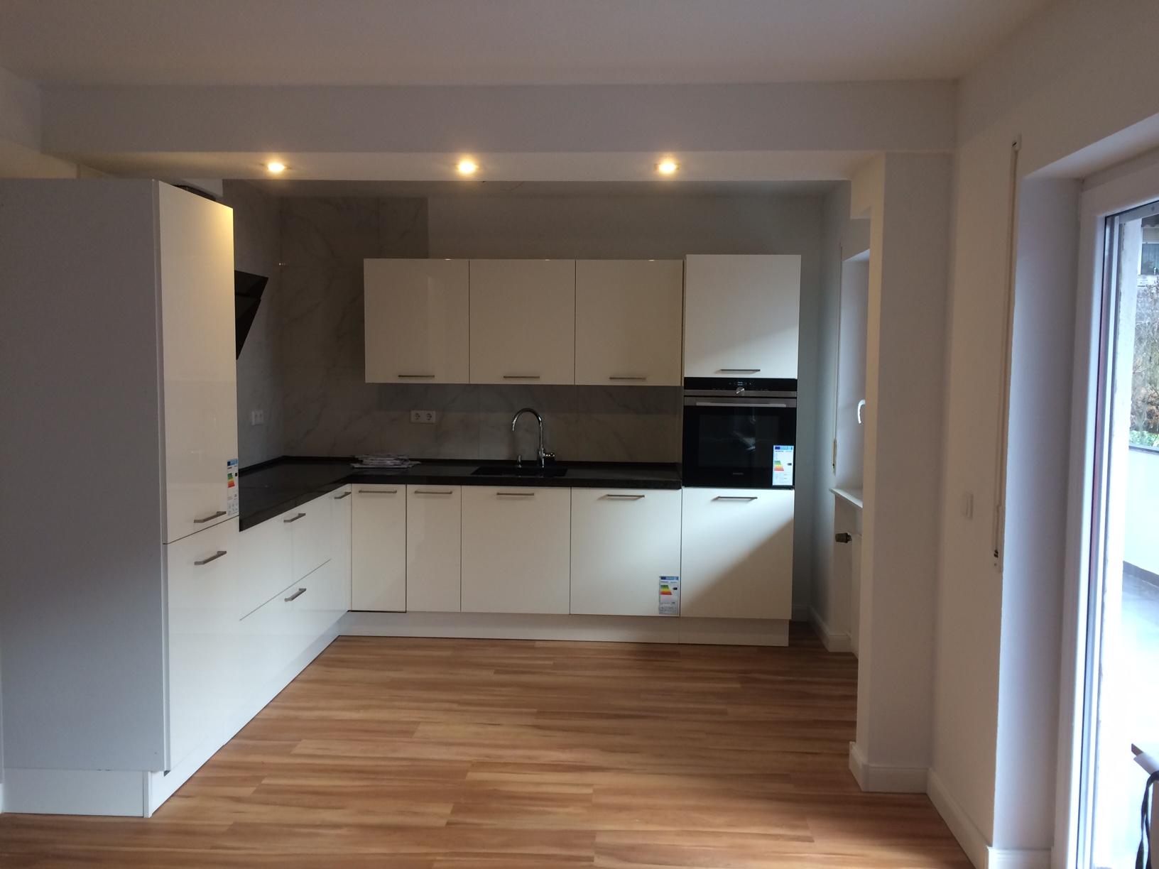 Schöne, geräumige zwei Zimmer Wohnung in Aschaffenburg, Damm
