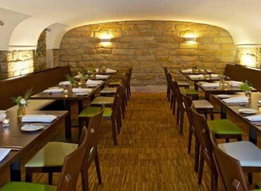 Restaurant im Gewölbekeller - komplett eingerichtet - keine Ablöse