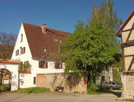 Charmante DG-Maisonette-Whg beim Aystetter Schloss in Aystetten