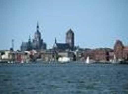 Stralsund, Mehrfamilienhaus mit 30 WE (saniert, gepfl. u. voll vermietet) in Stralsund-City zu verk.