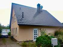 Modernes Haus mit Doppelgarage in