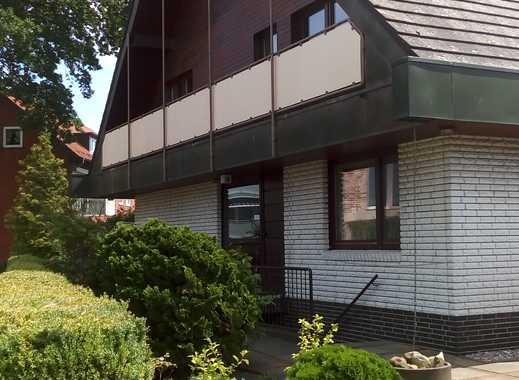 Freistehendes Einfamilienhaus mit Einliegerwohnung, Vollkeller, Doppel- und Einzelgarage