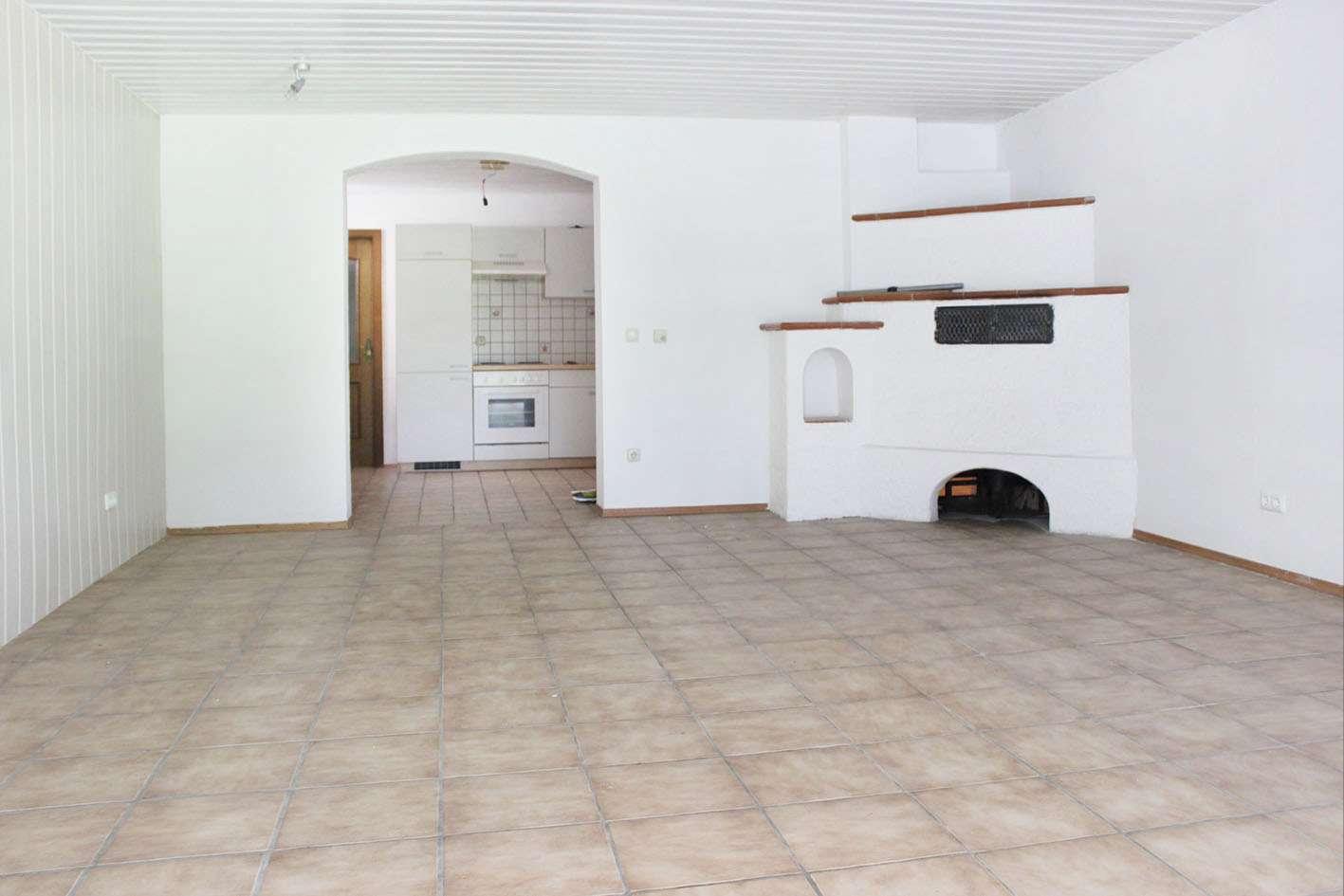 Gartenwohnung, 75 m2 große 1-Zi. Wohnung, leichter Souterrain mit Terrasse am Samerberg in