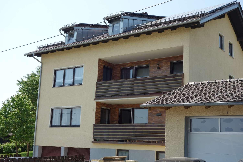 Sehr schöne 3-Zim. Wohnung mit Balkon und Doppelgarage und 1-Zim Büro mit WC in