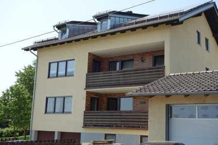 Sehr schöne 3-Zim. Wohnung mit Balkon und Doppelgarage und 1-Zim Büro mit WC in Furth im Wald