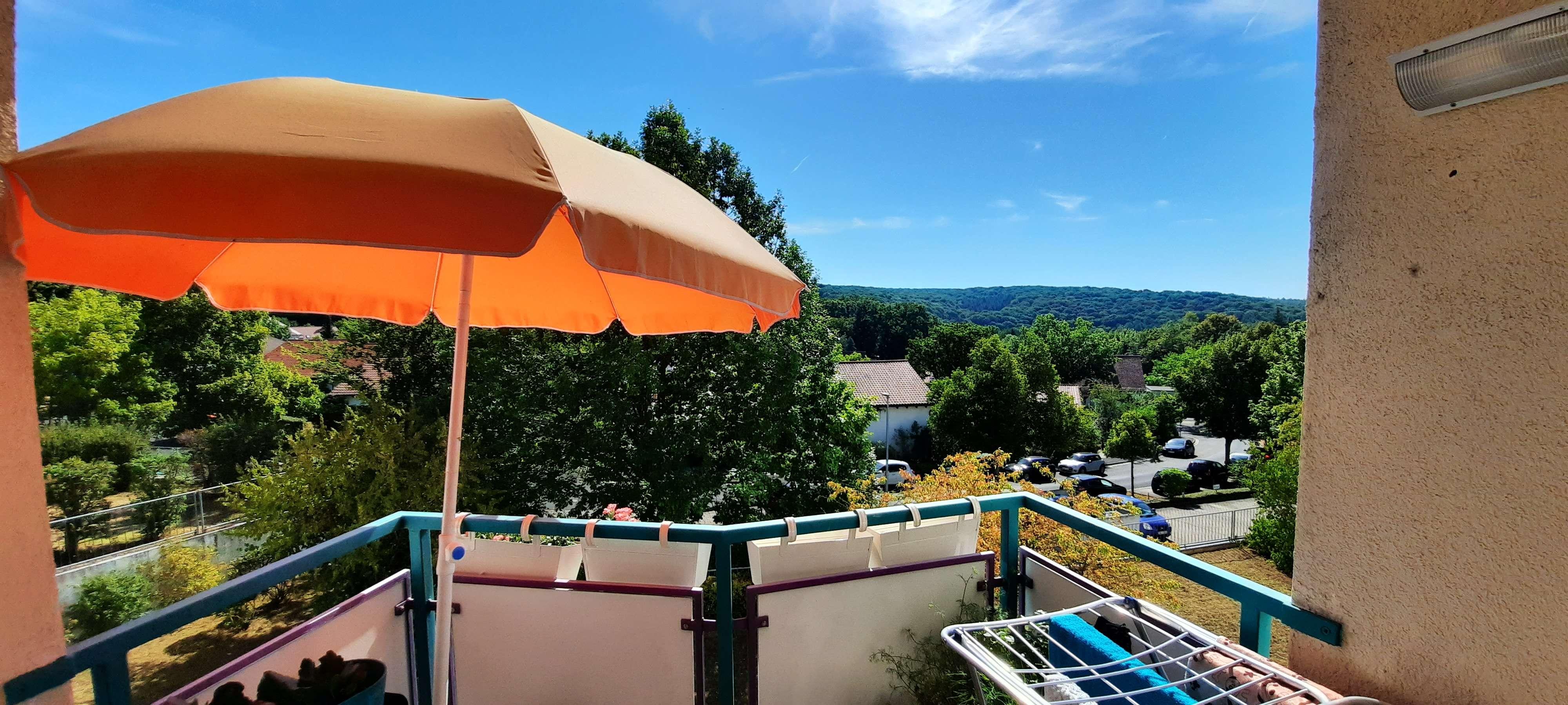 Gepflegte 2-Raum-Wohnung mit Balkon und Einbauküche in Schweinfurt in
