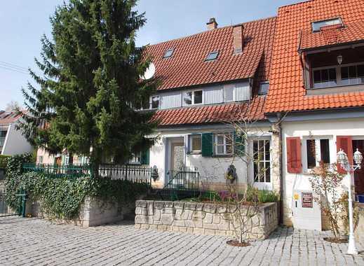 Liebhaberobjekt ! Charmantes Haus mit fünf Zimmern in Stuttgart, Möhringen