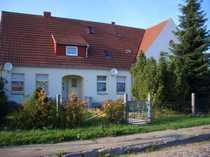 Mehrfamilienhaus auf großem Grundstück