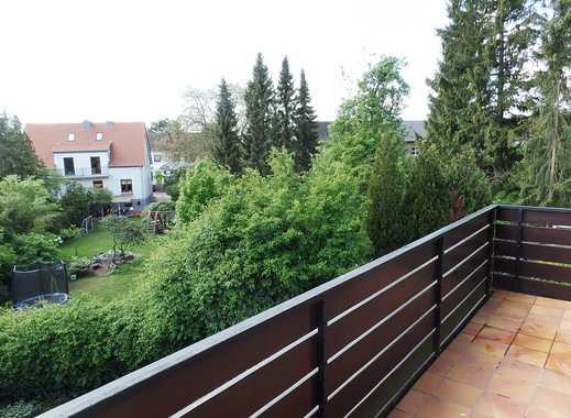 Neustadt: Helle, moderne Apartment-Wohnung mit großem Balkon und Garage