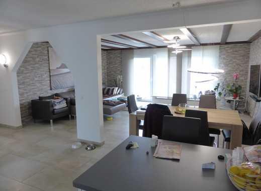 Traumhaftes Haus mit Soudterrainwohnung in Porta Westfalika zu kaufen. Immobilien BesserWohnen