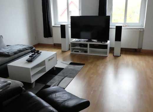Teilmöblierte, vollständig modernisierte 1,5 - Zimmer Wohnung in stilgerechtem Altbau mit vielen Ext