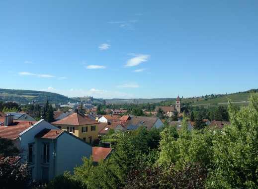 Reihenmittelhaus in Würzburg - Heidingsfeld mit Terrasse, Wiese und Carport
