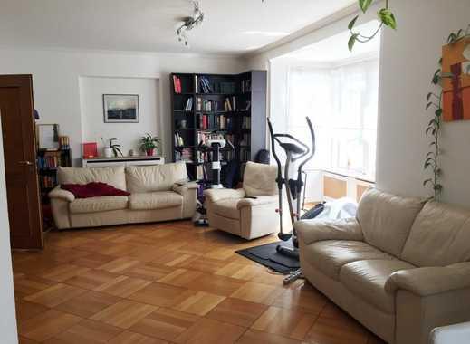 Mitten in der Stadt - Altbauwohnung oder Praxis auf 2 Ebenen + 2 TG Plätze!