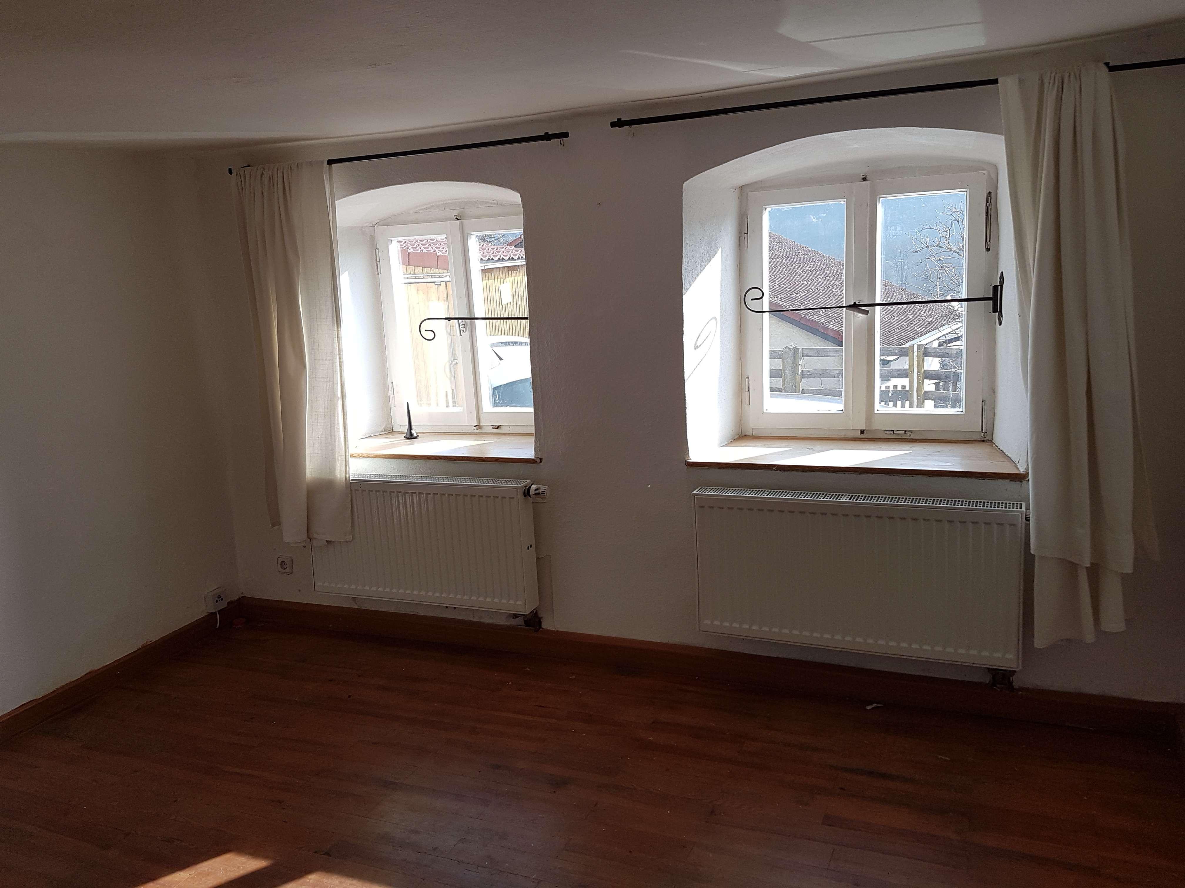 Gepflegte 3-Zimmer-EG-Wohnung  mit Einbauküche in Eichstätt