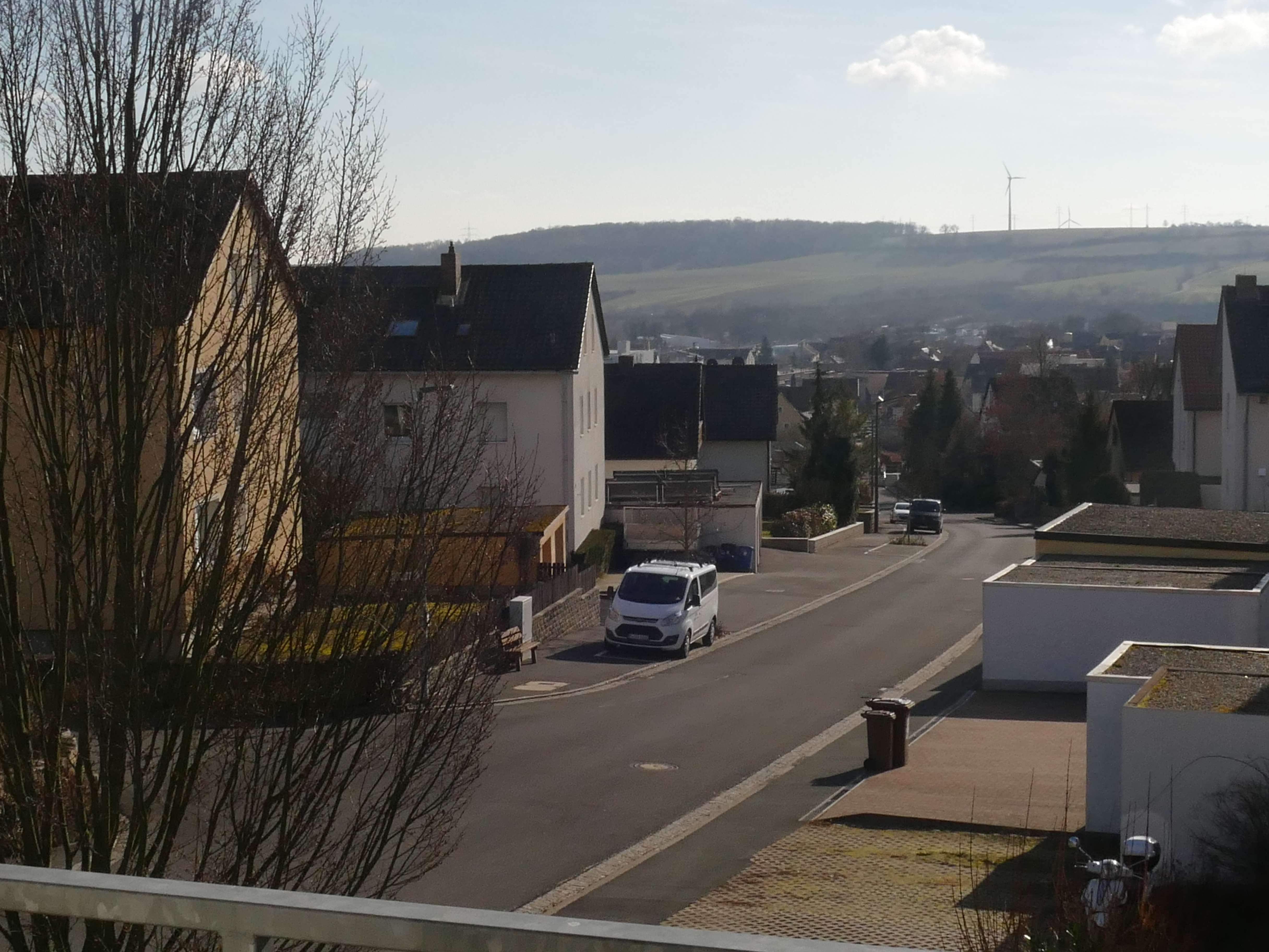 3-Zimmer-Wohnung mit Balkon und EBK in Rottendorf auch WG geeignet