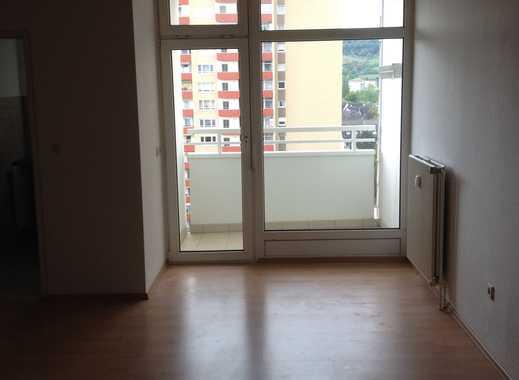 Exklusive, vollständig renovierte 1-Zimmer-Wohnung mit Balkon und EBK in Heppenheim (Bergstraße)