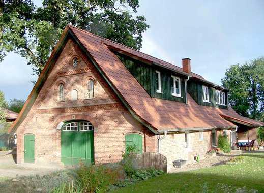 """""""Halber Resthof"""" mit 1250m² Grundstück, Garage und gepflegter EG-Wohnung im charmanten Bauernhaus"""