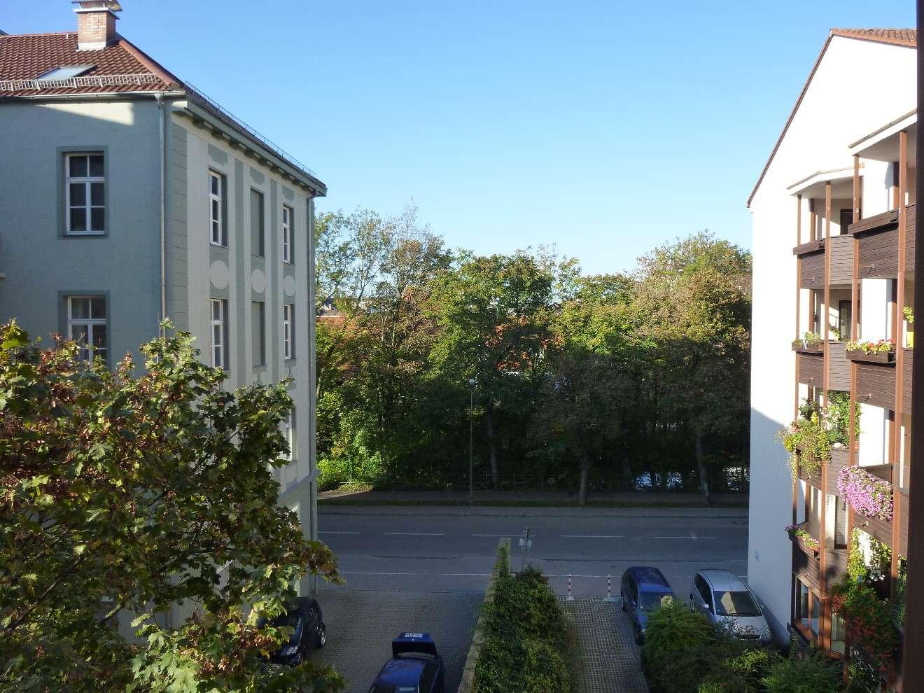 2 Zimmer Wohnung mit Balkon, schöne offene Küche, zentrale City Lage beim Jakobertor