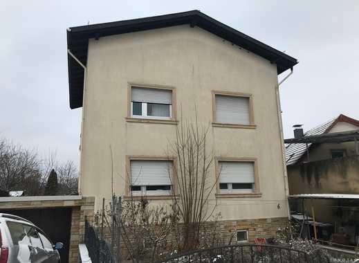 KAPITALANLAGE oder EIGENNUTZUNG - Einfamilienhaus mit Vorgarten und Garage in ruhiger Lage