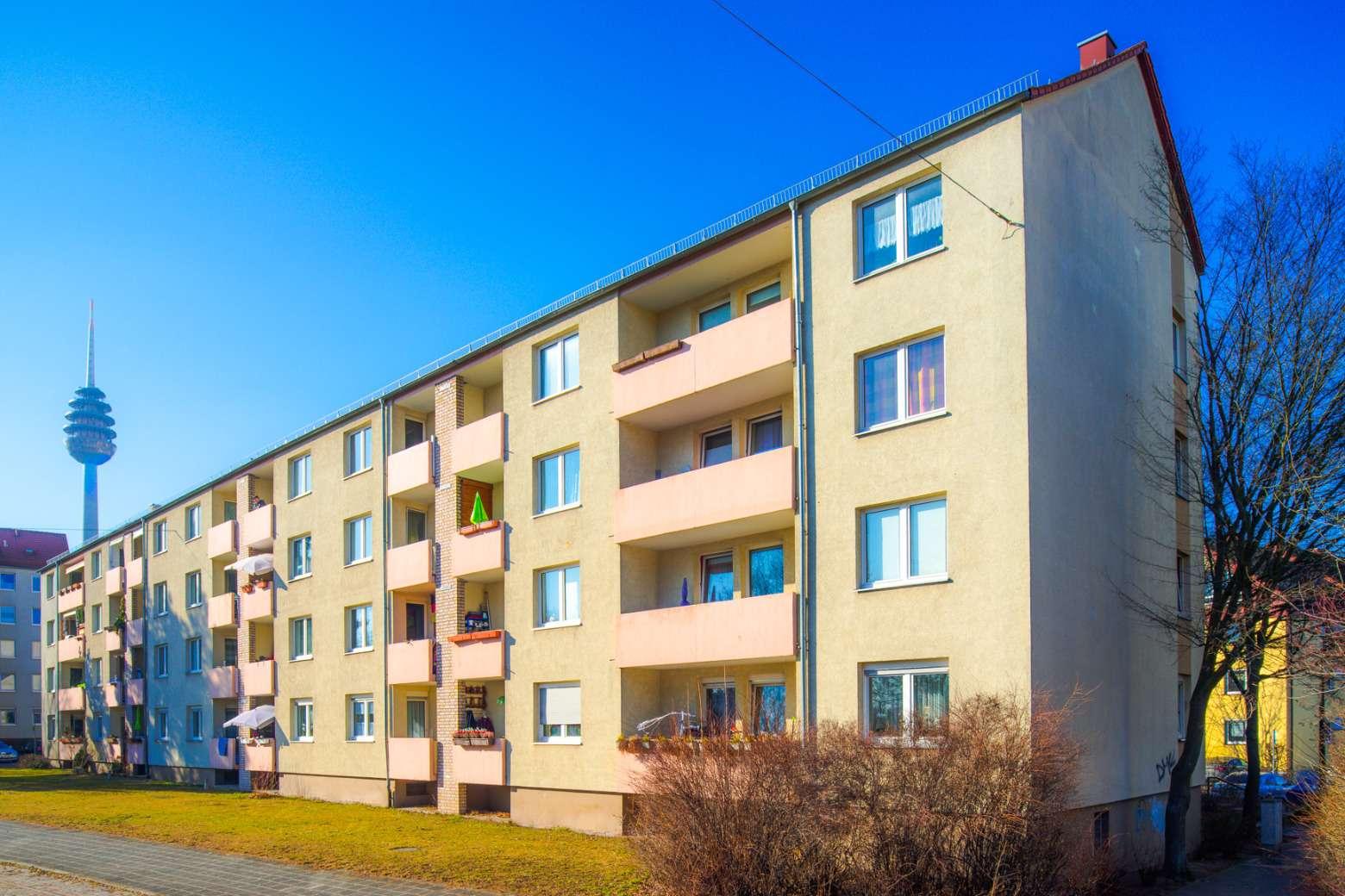 Schöne, modernisierte 3-Zimmer-Wohnung mit Loggia in Schweinau zu vermieten  in Hohe Marter (Nürnberg)