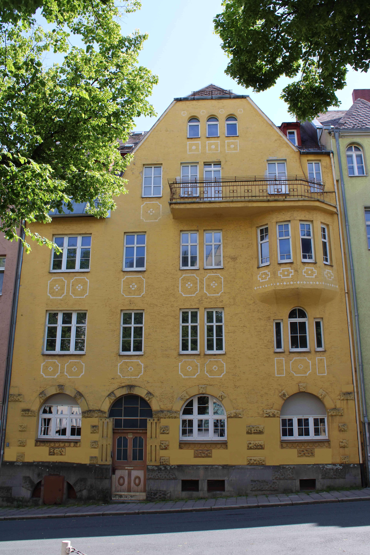 Erstbezug nach Sanierung: freundliche 1,5-Zimmer-EG-Wohnung mit gehobener Innenausstattung in Hof in