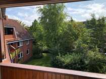 Dachgeschoss-Wohnung mit Blick ins Grüne