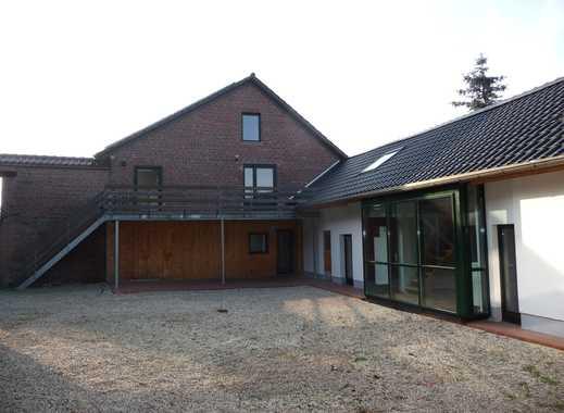 Landhausstil - 4 Zimmer Maisonette Wohnung in einer sanierten Hofanlage in Bettrath-Hoven