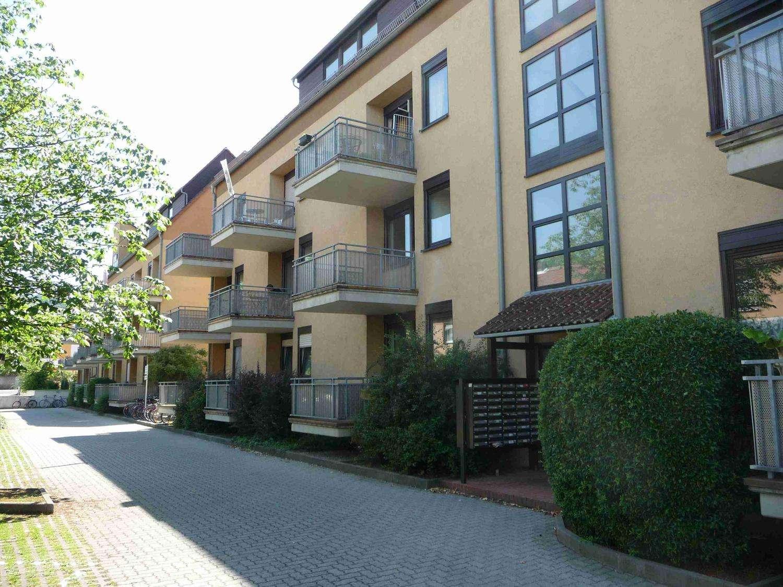 1-ZW in Studentenapartementhaus mit Balkon, Stadtteil Zellerau in