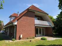 Freistehendes Ein Zweifamilienhaus mit Klinkerfassade