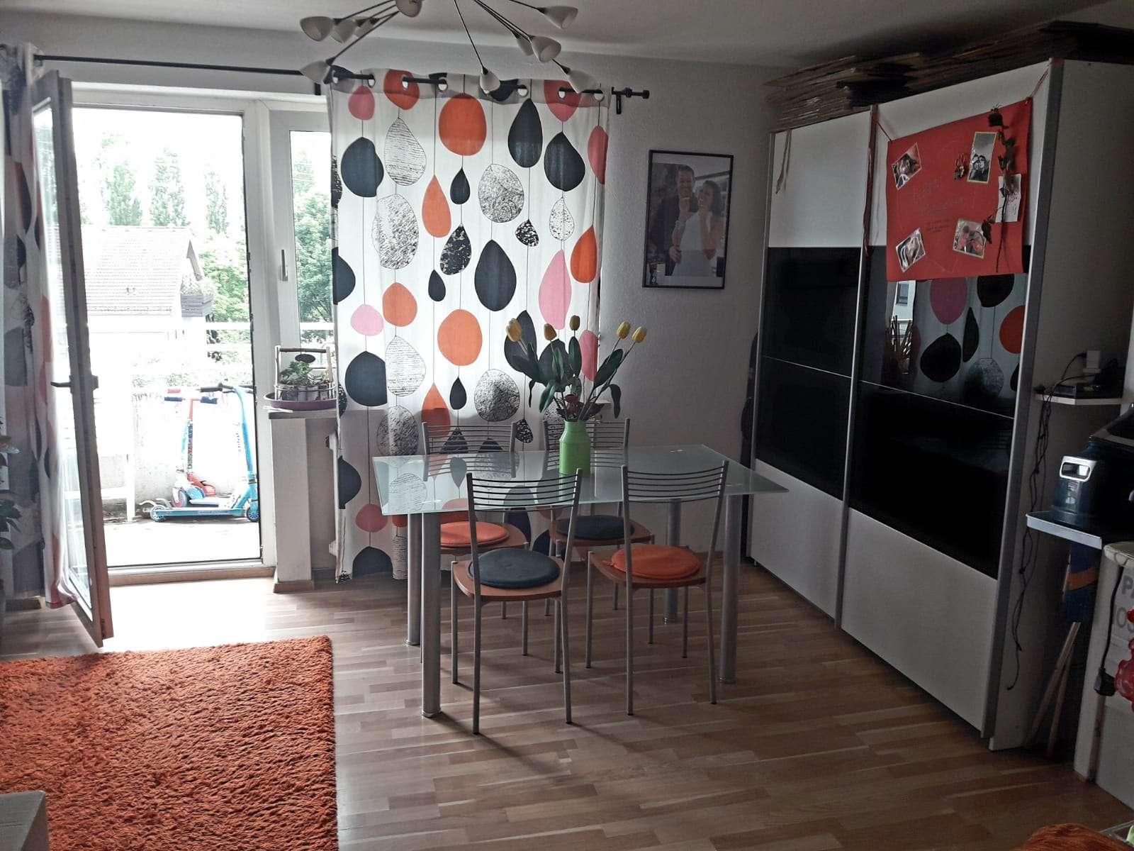 Provisionsfrei - Stilvolle, vollständig renovierte 3-Zimmer-Wohnung mit Balkon in Karlsfeld