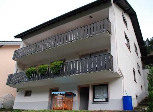 Luxuriös ausgebautes 2-Familienhaus - 261m² Wfl. - 440m² Grund