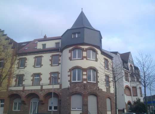 großzügig geschnittene sanierte 2-Zimmer-Altbauwohnung