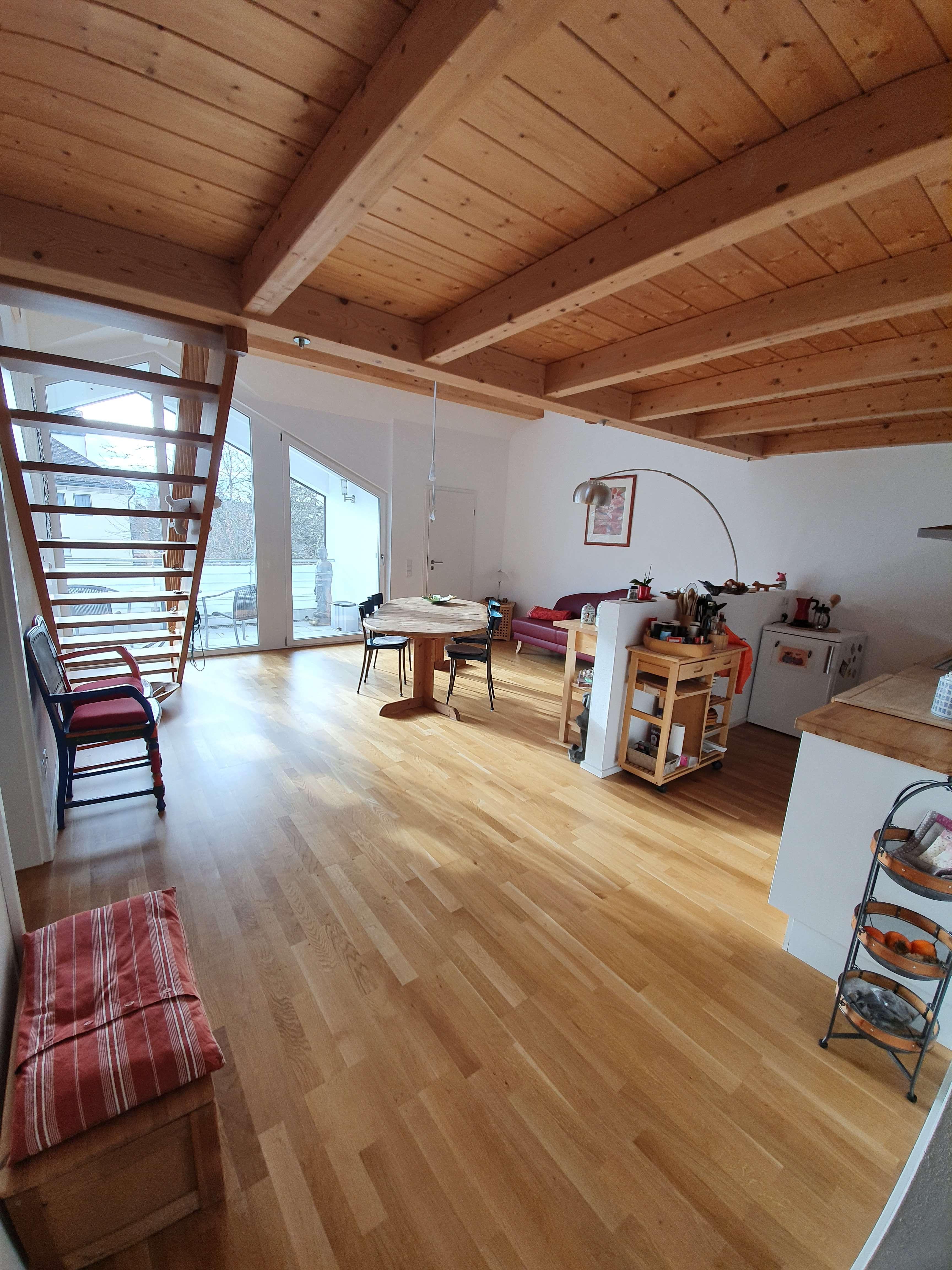 Sehr schöne helle DG Wohnung in Rosenheim in Rosenheim-West (Rosenheim)