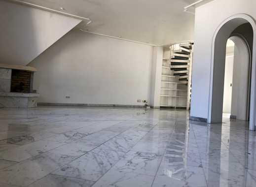 Traumhafte Maisonettewohnung direkt am Amtsgericht mit Einbauküche, Terrasse und Sauna auf 110m²