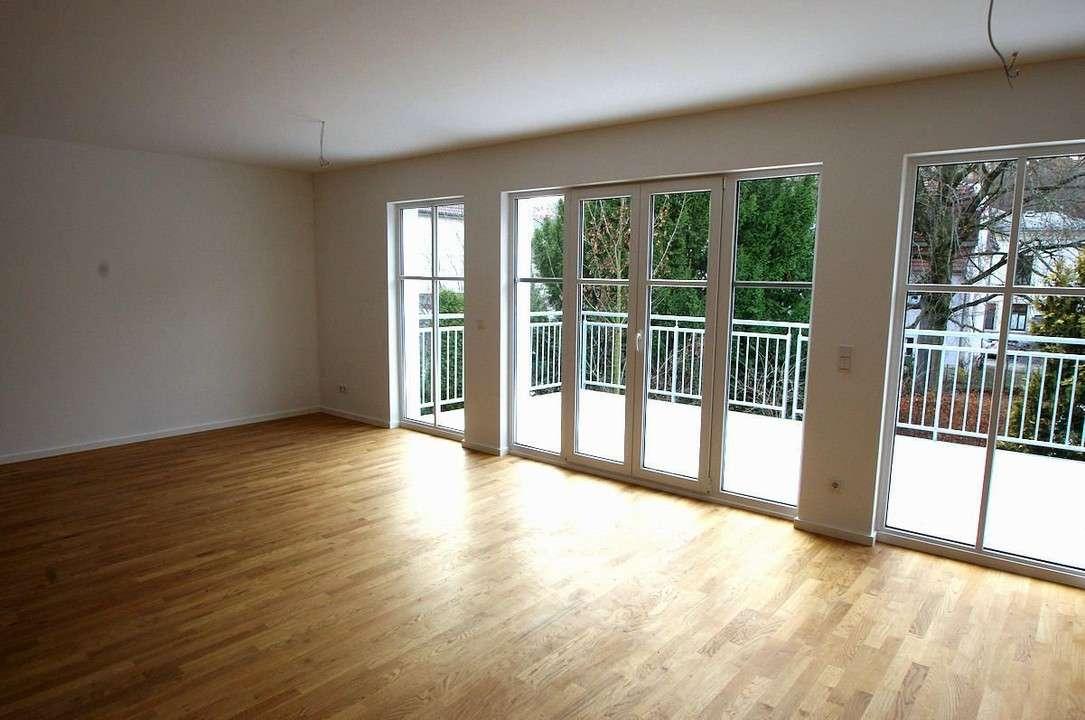 Schicke, loftähnliche 3-Zimmer-Wohnung mit großem Balkon und PKW-Stellplatz - Innenstadtlage in Coburg-Zentrum (Coburg)