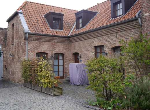 Wunderschöne Maisonettewohnung in historischer Hofanlage