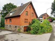 Großes ausbaufähiges Wohnhaus auf 3149