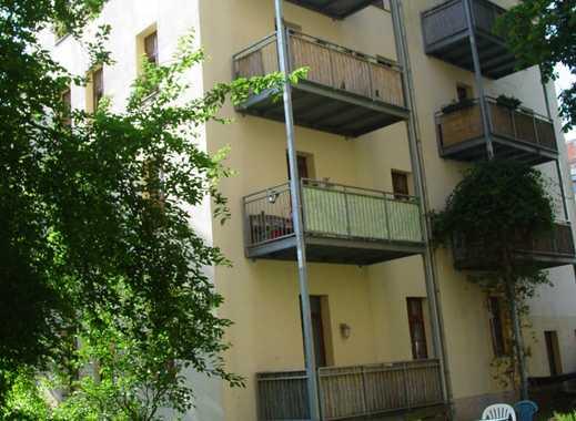 2 Zi.-Whg. mit großer offener Wohnküche und Terrasse in ruhigem Hinterhaus in bester Lage