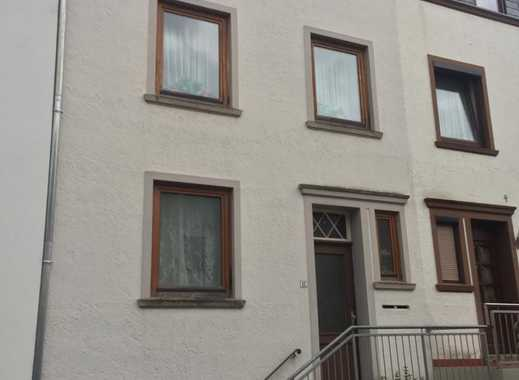 Renovierungsbedürftiges Mehrfamiilenhaus in Bremen Gröpelingen