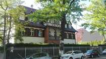 Exclusive Erdgeschosswohnung in Altbauvilla mit