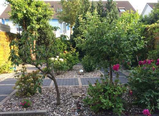 Schön geschnittenes Reihenendhaus mit Garten