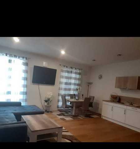 Geschmackvolle 3-Raum-Wohnung mit Balkon und Einbauküche in Illertissen in Illertissen