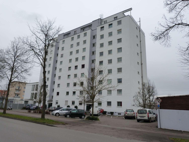 Penthaus-Wohnung mit Blick über das Lechtal in sehr guter Wohnlage. Lift!
