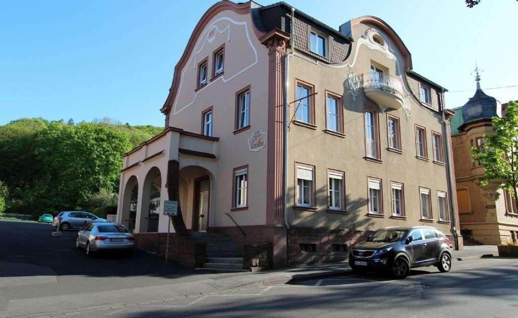 2 Zi.-Stadtwohnung plus Wohnküche, Hochparterre inkl. Gartennutzung mit treppenfreiem Zugang.