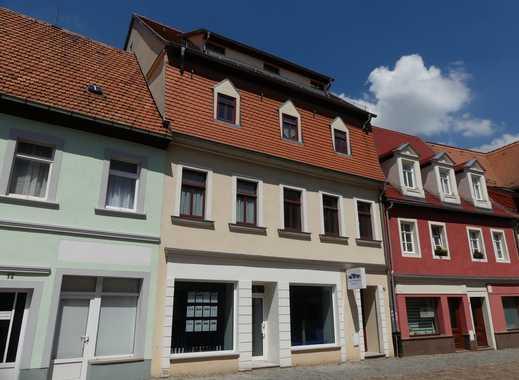 Schicke Single-Dachwohnung mit sichtbaren Balken