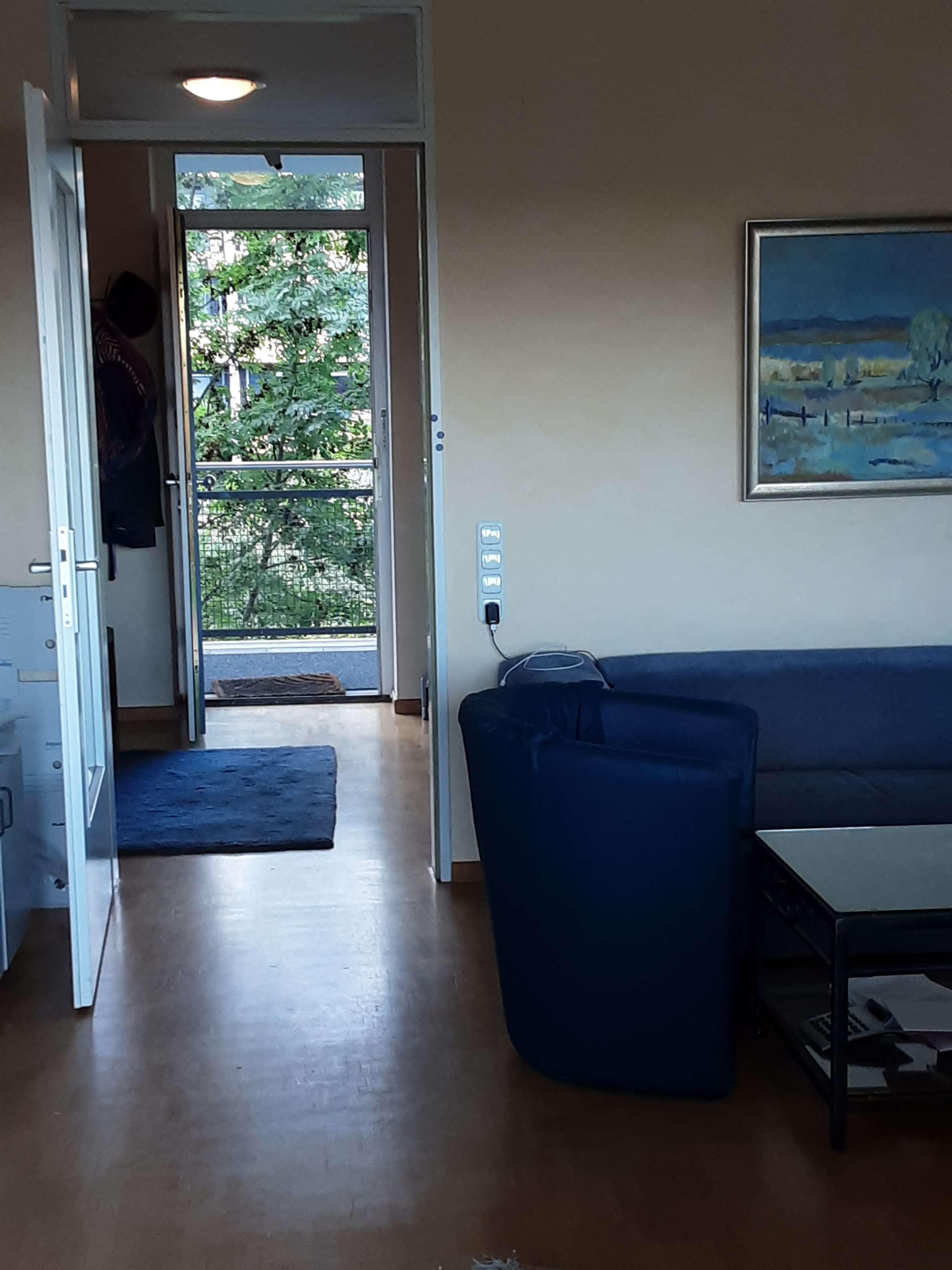 Helle freundliche zentrale geräumige und neuwertige 1-Zimmer-Wohnung mit Balkon in Kaufering in