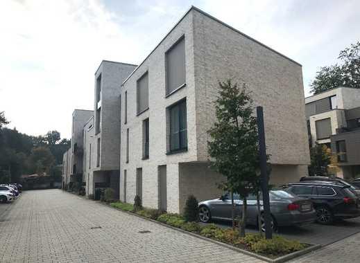 Geräumige Komfortwhg. auf 2 Ebenen - m. herrl. Dachterrasse und Balkon, m. Aufzug im Hause !!